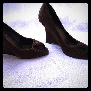 Beautiful Retroish Looking BCBG Women Shoes